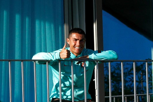 'Sunbathing' Cristiano Ronaldo tests positive for COVID-19