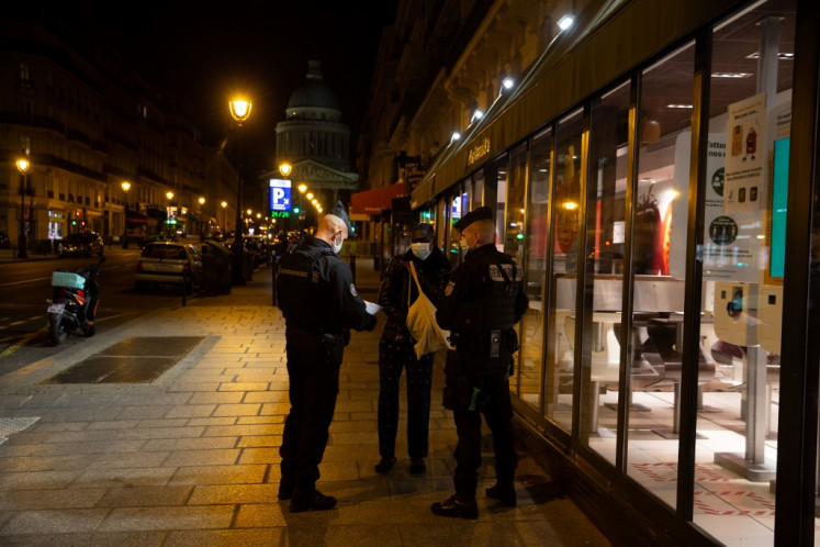End of the party: Paris empties under curfew