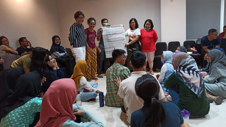 Youth engagement: Members of Aliansi Satu Visi share their knowledge with young people to engage them meaningfully in various programs to enhance their life skills and experiences.