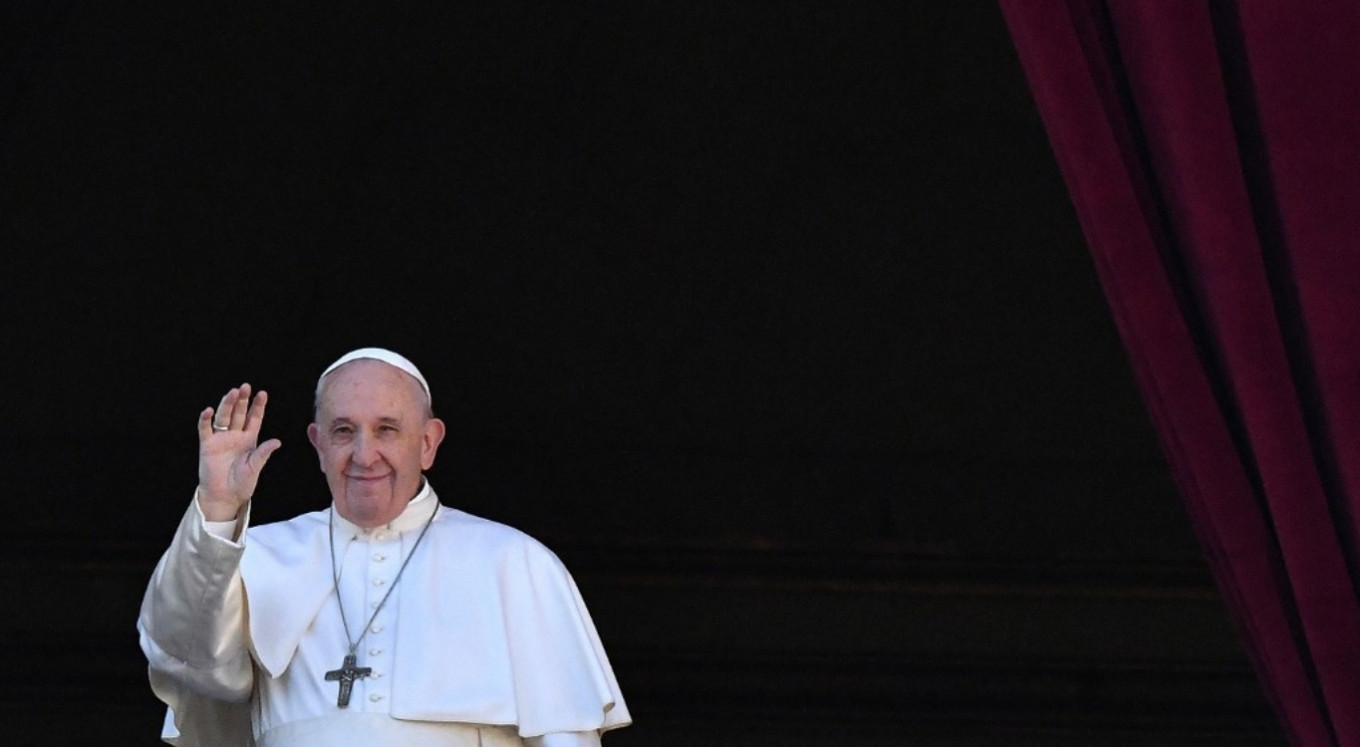 Pope Francis supports civil unions for same-sex couples