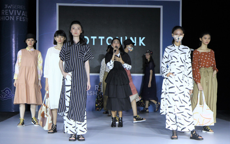 Streaming shows: Singer Alika performs during the Cotton Ink runway show at the Revival Fashion Festival, held in Jakarta in August to introduce virtual solutions to present fashion shows.