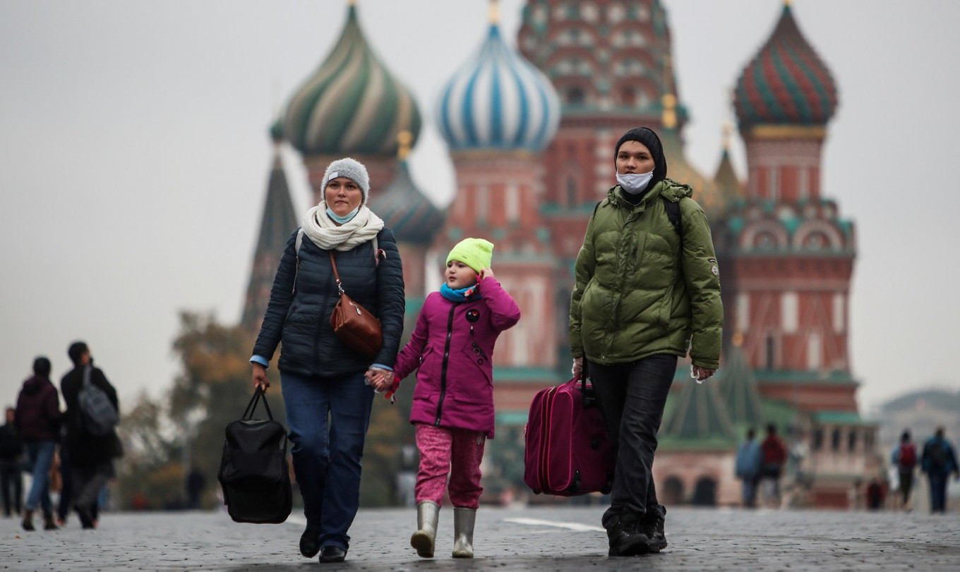 Foreign tourism shutdown supports Russia's struggling economy amid COVID-19