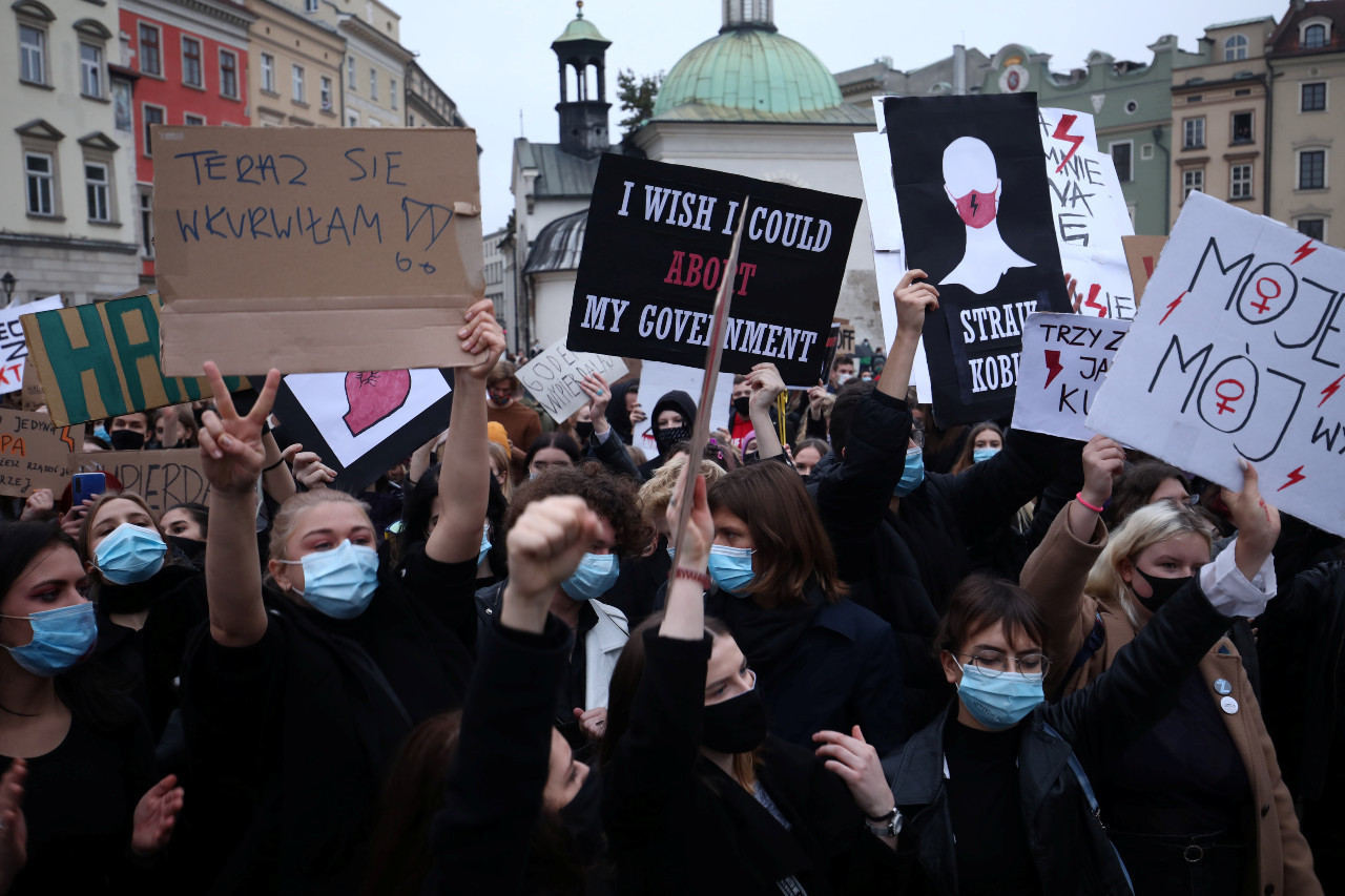 Polish protesters disrupt church services over near-total abortion ban