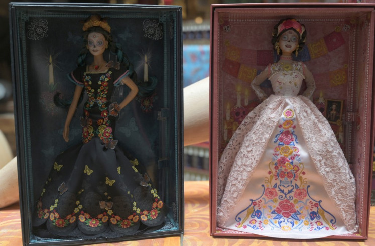 Day of the Dead 'skeleton' Barbie splits opinion in Mexico