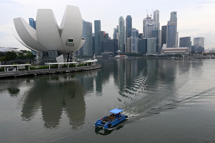 Singapore allows visitors from mainland China, parts of Australia