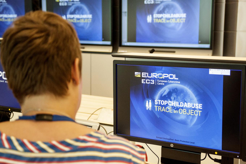 European police in coordinated raids against online hate speech