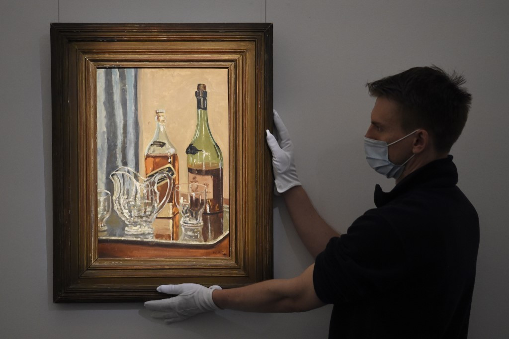 Churchill whisky painting fetches almost £1 million
