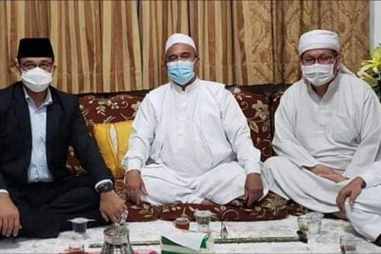 'Just catching up': Anies visits Rizieq Shihab despite quarantine rule