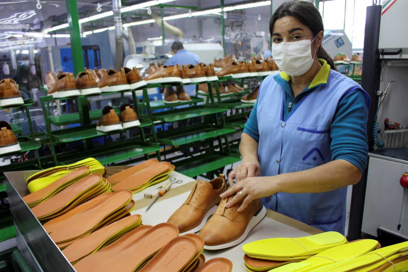 Portugal's shoemakers switch from fancy to comfy to survive pandemic