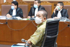 Graft defendant and former fugitive Djoko Soegiarto Tjandra stands trial at the Jakarta Corruption Court on Nov. 2, 2020. He is accused of bribing a number of officials, including police generals Insp. Gen. Napoleon Bonaparte and Brig. Gen. Prasetyo Utomo, through his partner Tommy Sumardi in an effort to remove his name from an Interpol wanted list when he was still a fugitive. JP/ Dhoni Setiawan
