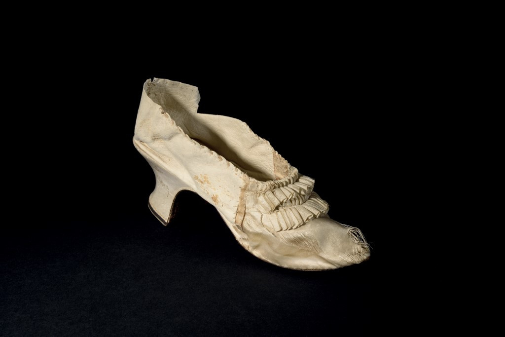 Marie-Antoinette's silk slipper fetches $50,000