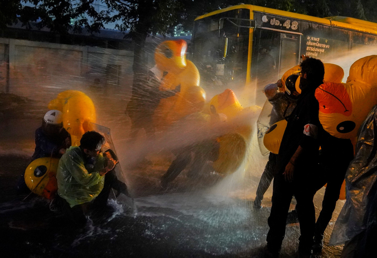Thai police fire water cannon, teargas at Parliament protesters