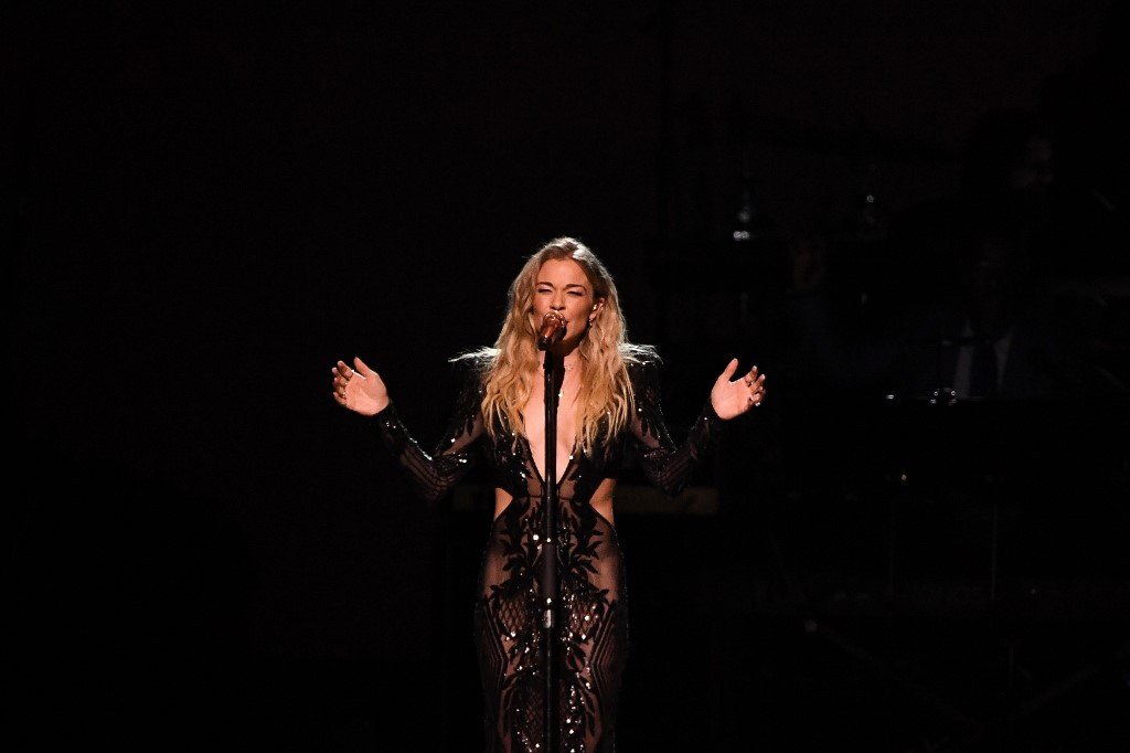 Country singer LeAnn Rimes turns to chants to relieve pandemic blues
