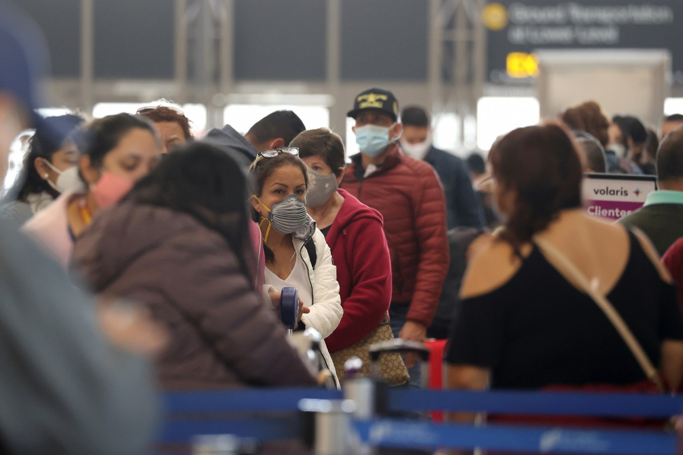 Thanksgiving travelers give US airports their busiest weekend since March