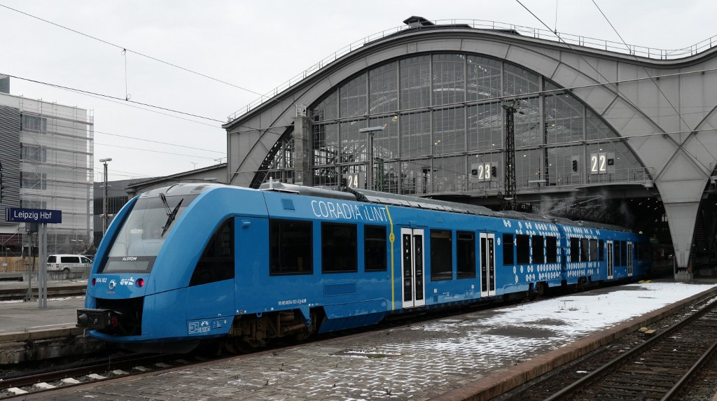 Germany steams ahead with new hydrogen-powered train