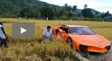 Ride high: Self-assembled 'Lamborghini' rolls along Banda Aceh streets