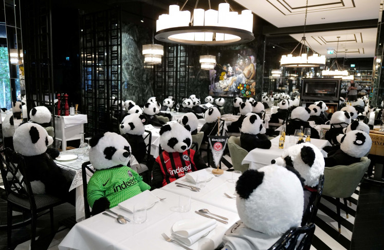 German restaurant bears out pandemic with furry customers