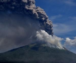 Thousands evacuate after Ili Lewotolok eruption