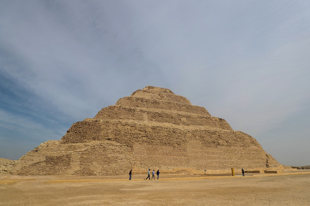 Egypt releases photographer, model detained after pyramid photo shoot
