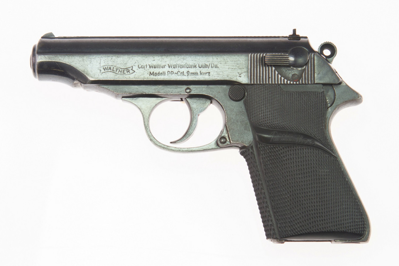 Sean Connery's 007 pistol from 'Dr.No' sells for $256,000