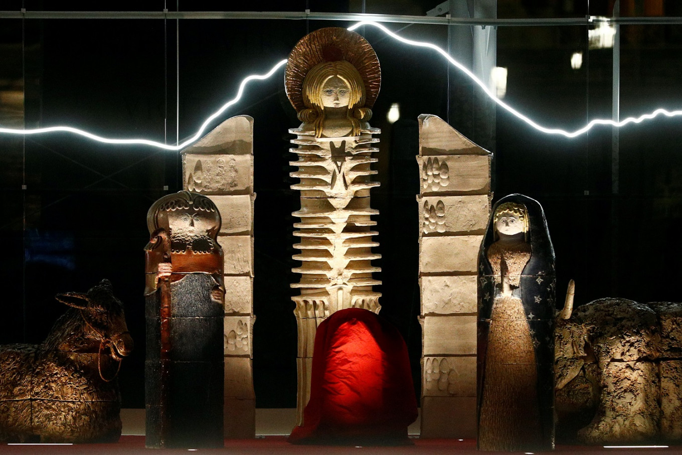 Pope snubs Vatican's sci-fi Nativity scene, directs visitors to others