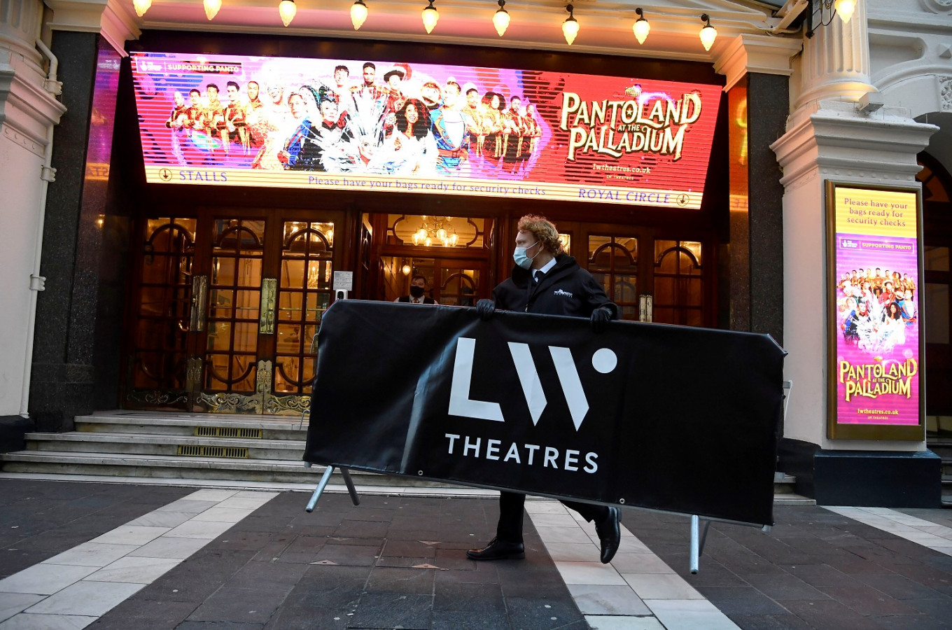 Dismay as London's theaters forced to close their doors again