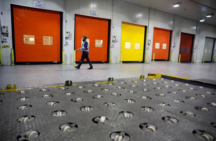 Singapore airport goes sub-zero for COVID-19 vaccine transport plan