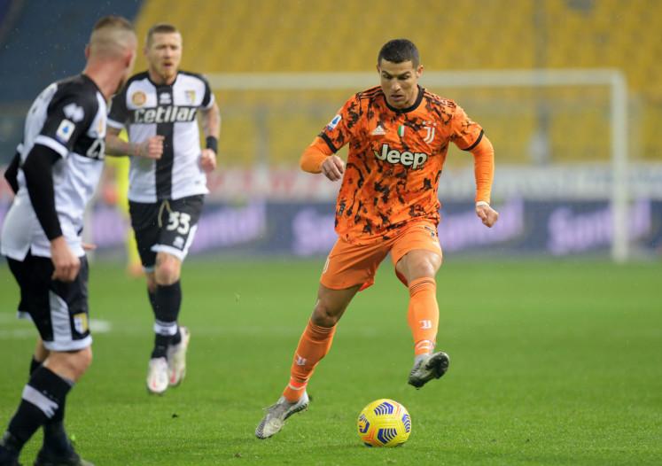 Ronaldo scores twice as Juve crushes Parma