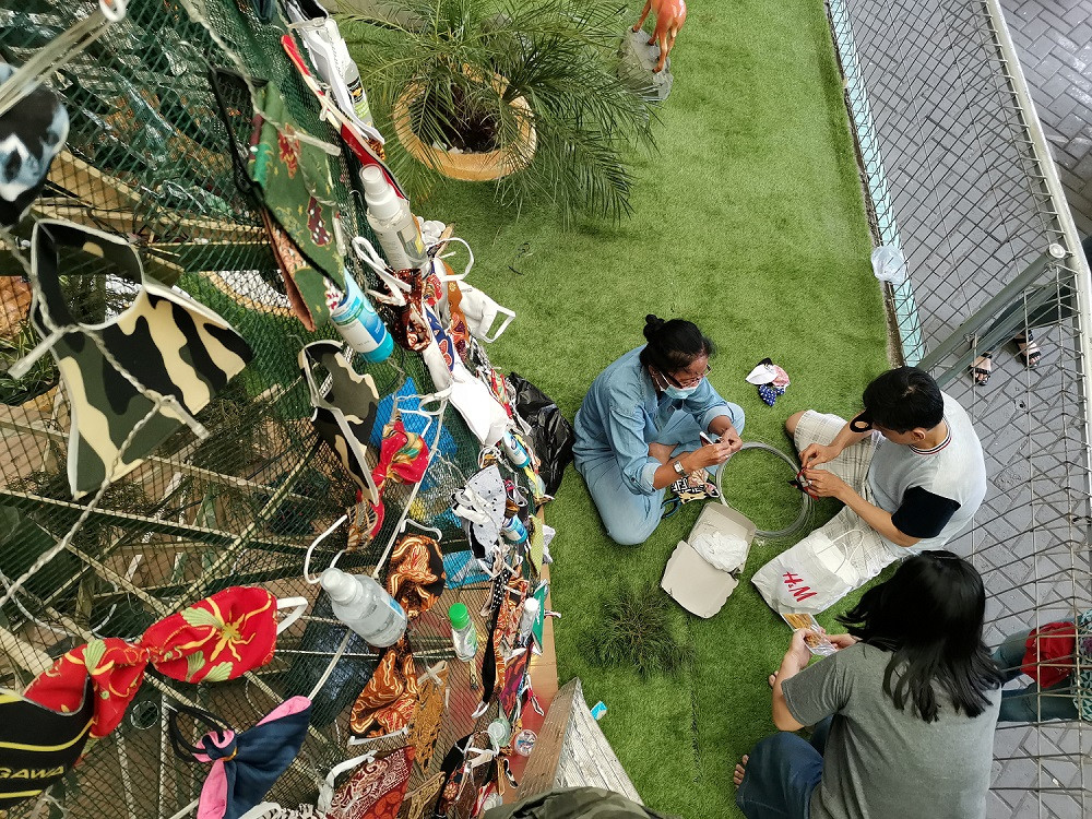 Surabaya church decorates Christmas tree with masks, sanitizers to promote COVID awareness