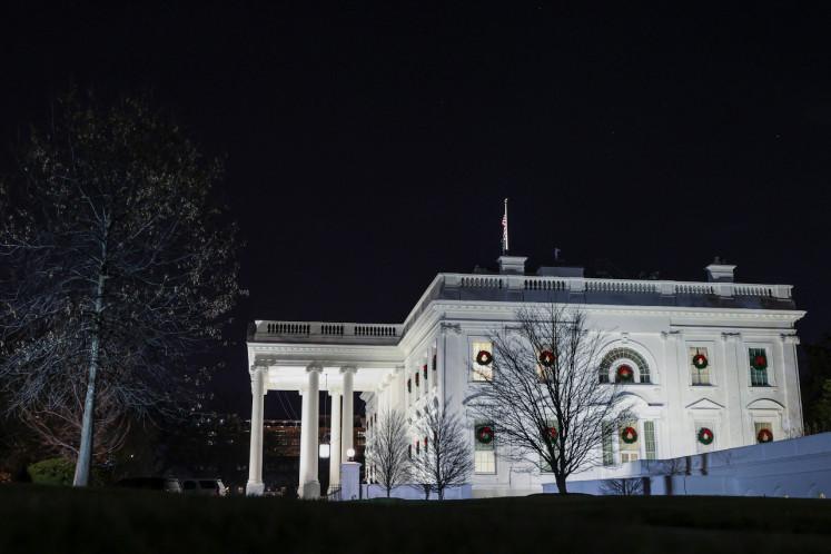 Trump threatens to not sign COVID-19 bill, wants bigger stimulus checks