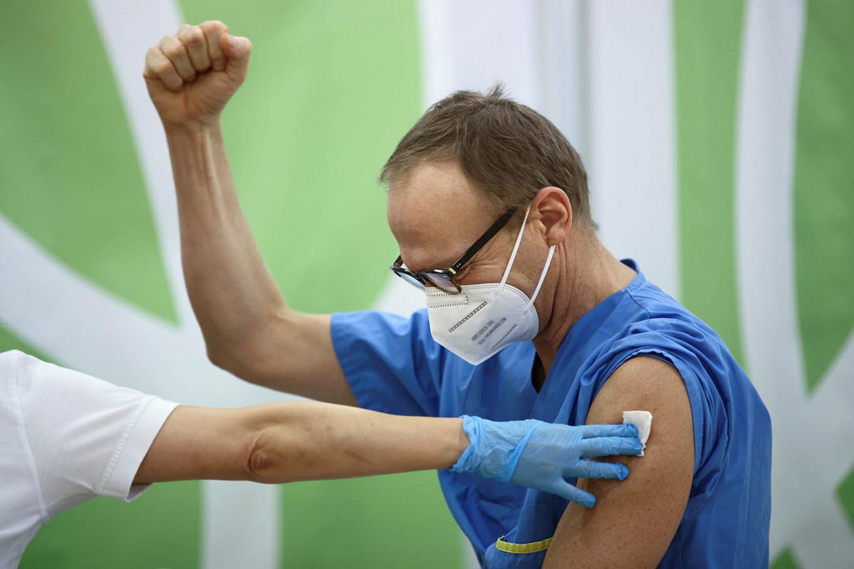 Pfizer/BioNTech say vaccine effective against UK, SAfrica virus mutations