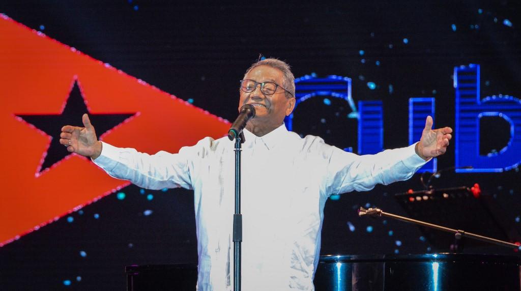 Mexico mourns maestro Armando Manzanero, lost to COVID aged 86
