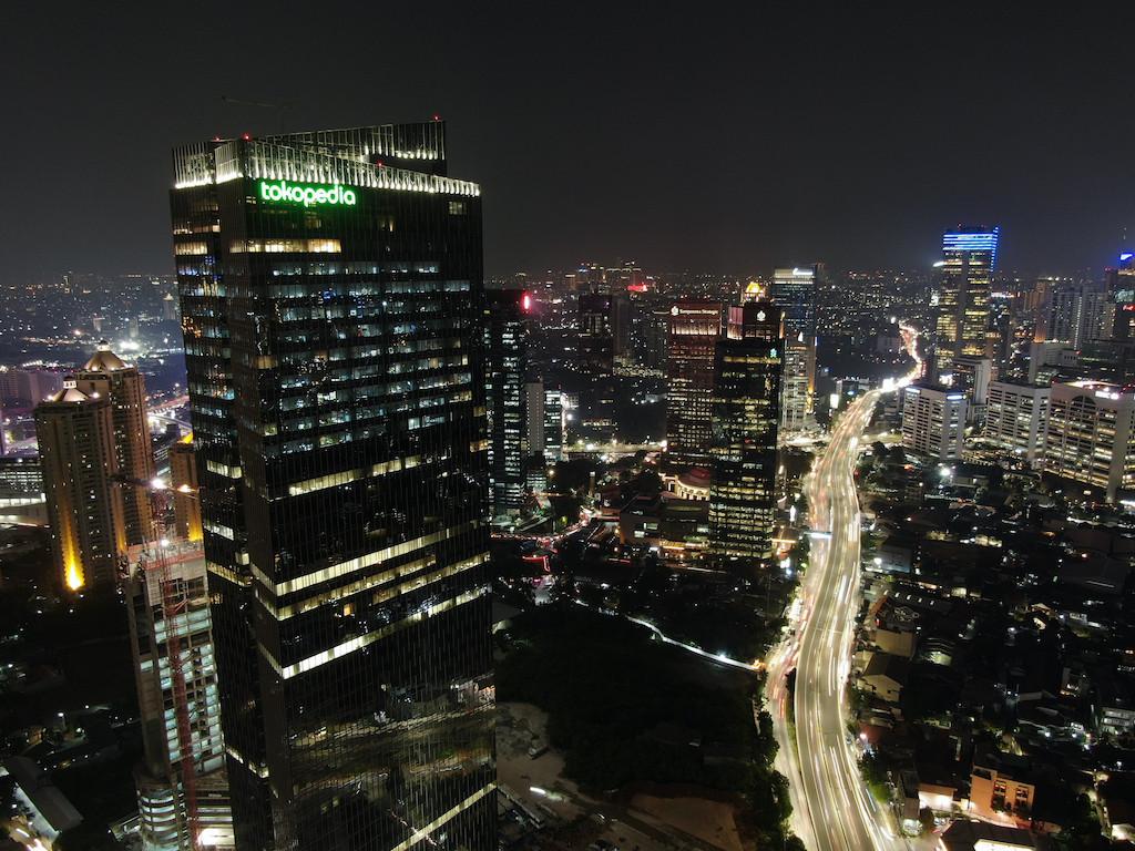 Platform e-commerce memanfaatkan ekonomi syariah Indonesia yang berkembang pesat