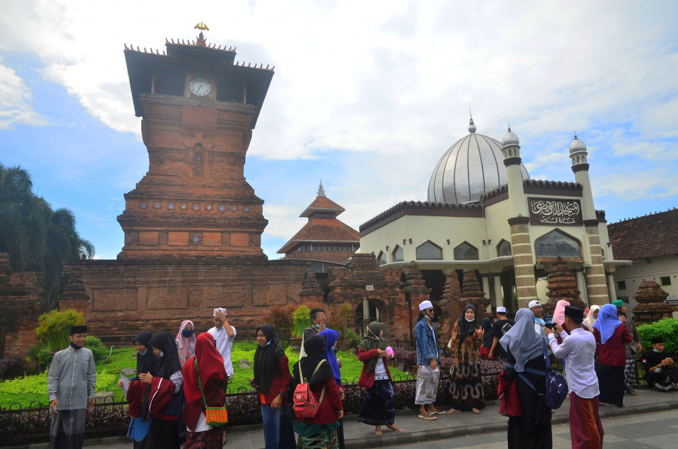 Central Java closes tourist sites during year-end holidays