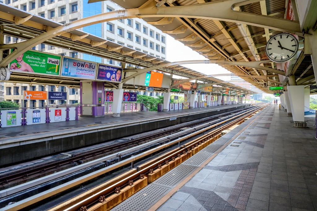 Bangkok imposes partial lockdown to combat virus