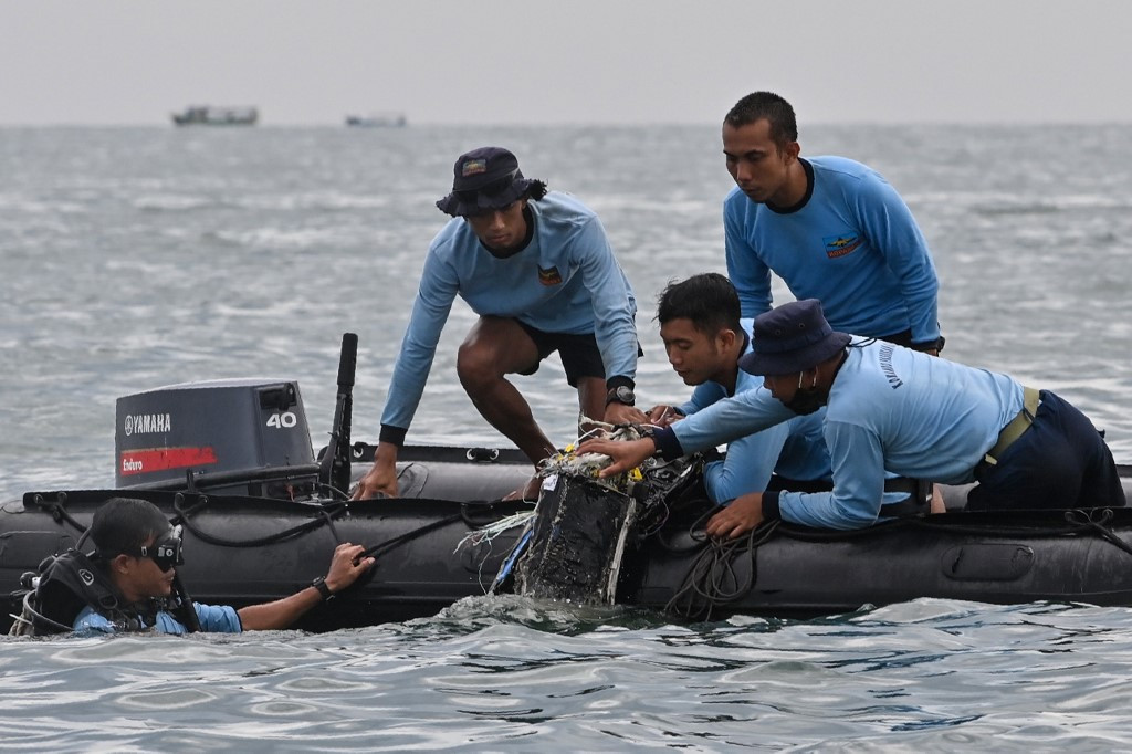 Authorities locate Sriwijaya Air black box recorders