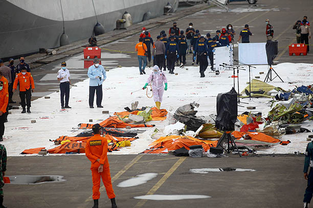Sriwijaya Air crash victim families give blood for DNA matching