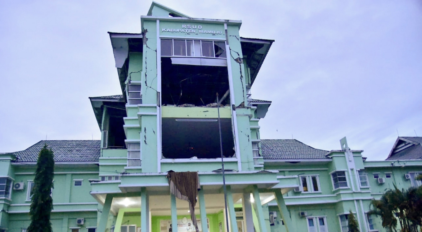 West Sulawesi quake kills at least 37