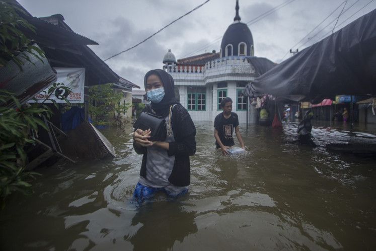 S. Kalimantan declares state of emergency as flooding displaces more than 20,000