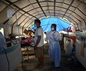 Medics in Mamuju overwhelmed by quake casualties