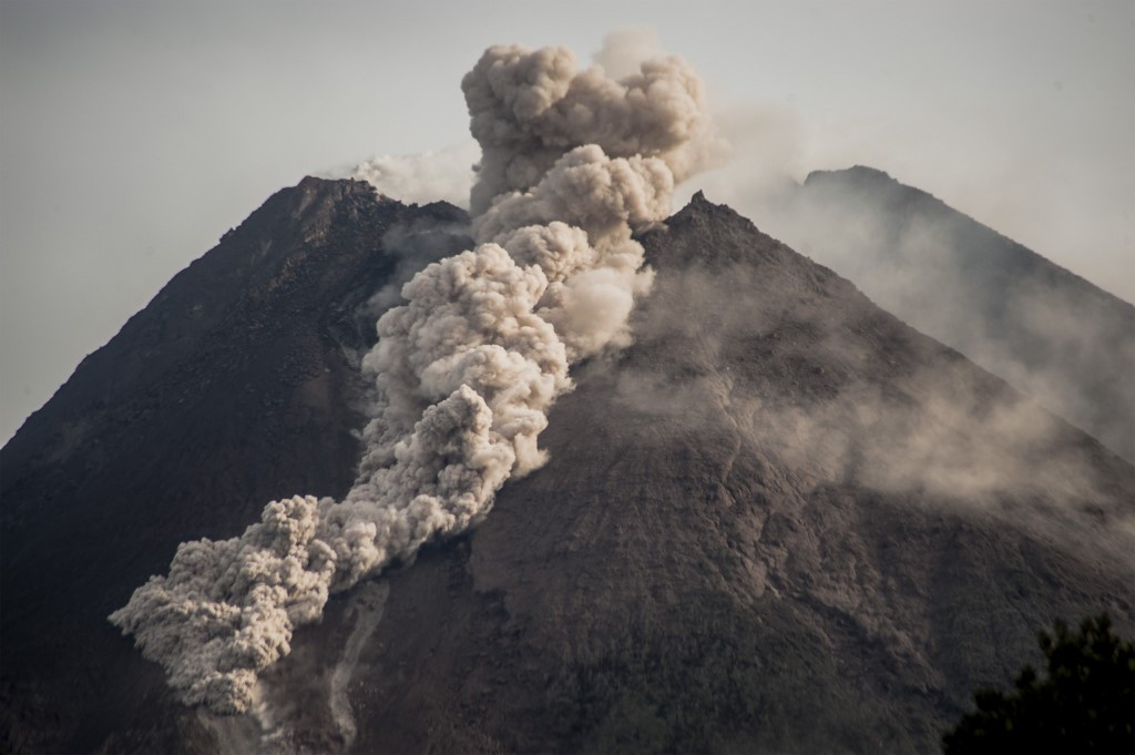 Mount Merapi erupts, spewing hot ash three kilometres away