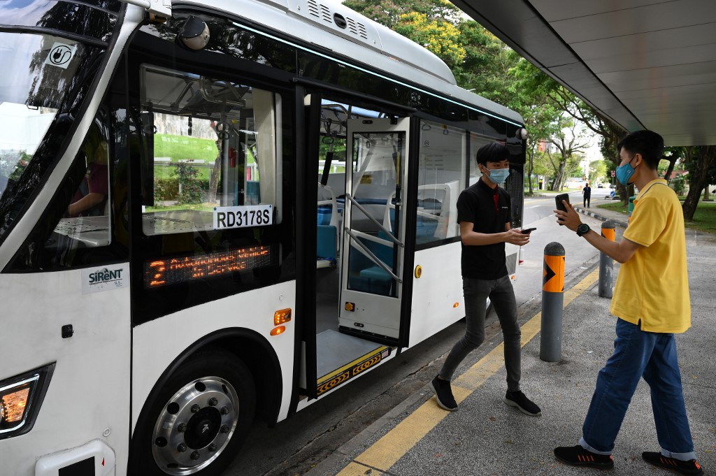 Singapore launches new self-driving bus trial