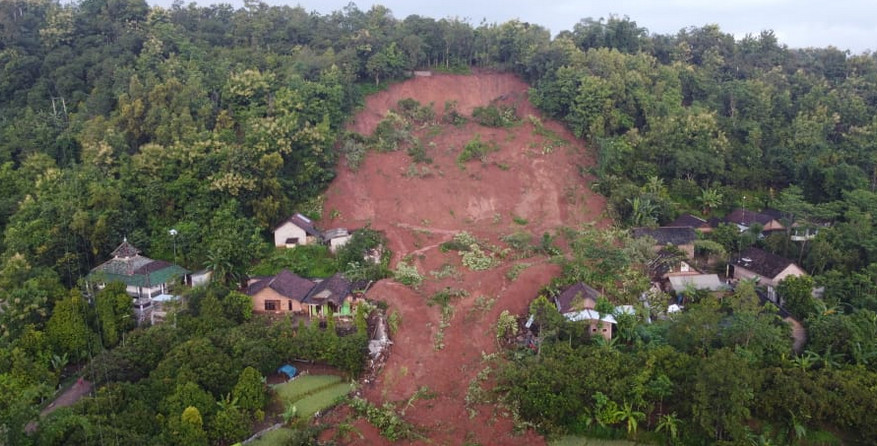 East Java landslide kills four with 14 missing
