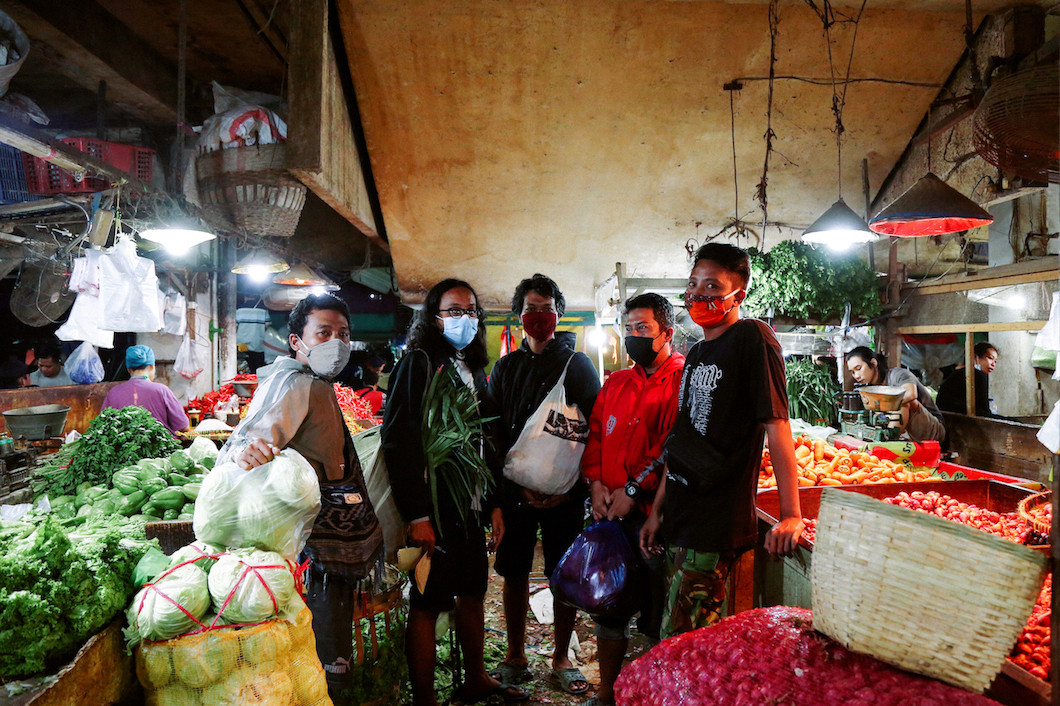 Pawon'e Arek-Arek collective frees people from fear of hunger