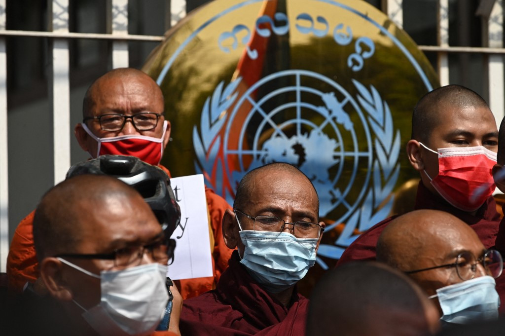 Myanmar monks on the march, call for end to military rule