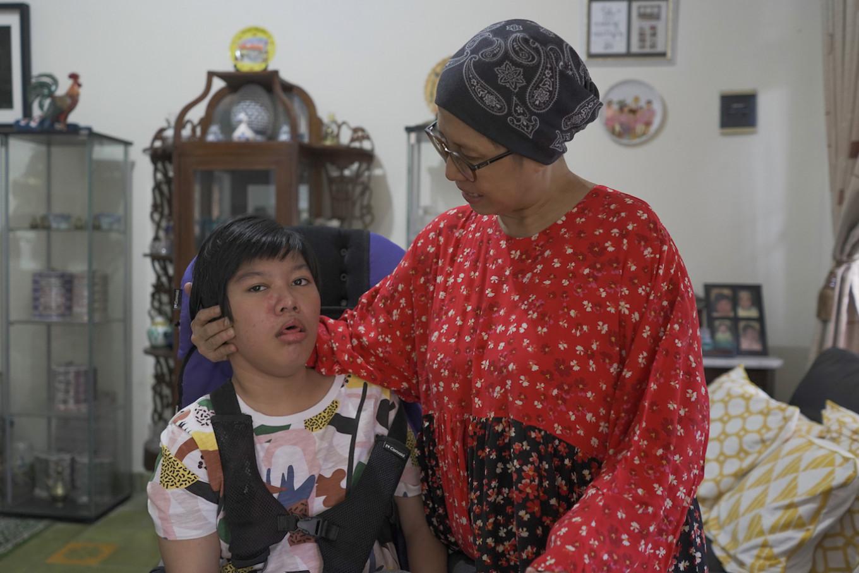 Indonesia's special needs children struggle for proper online education