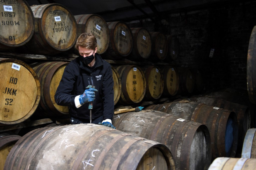 Scottish distillery looks to history to lift spirits