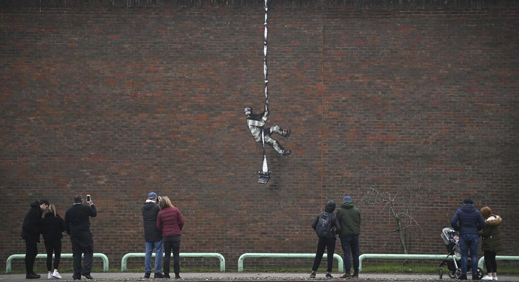 Banksy takes credit for work at Oscar Wilde jail