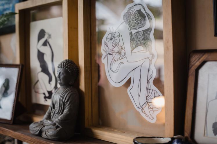 A piece by erotic artist Candrika Soewarno.