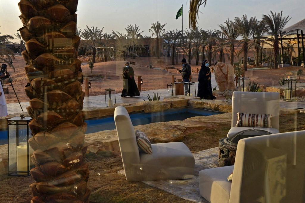 Luxury oasis draws elite Saudis locked in by pandemic